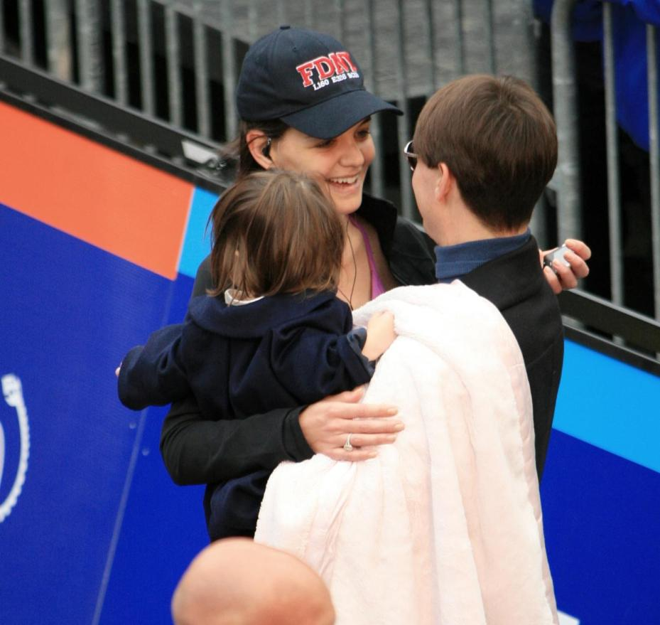 Tom Cruise, Katie Holmes and Suri game